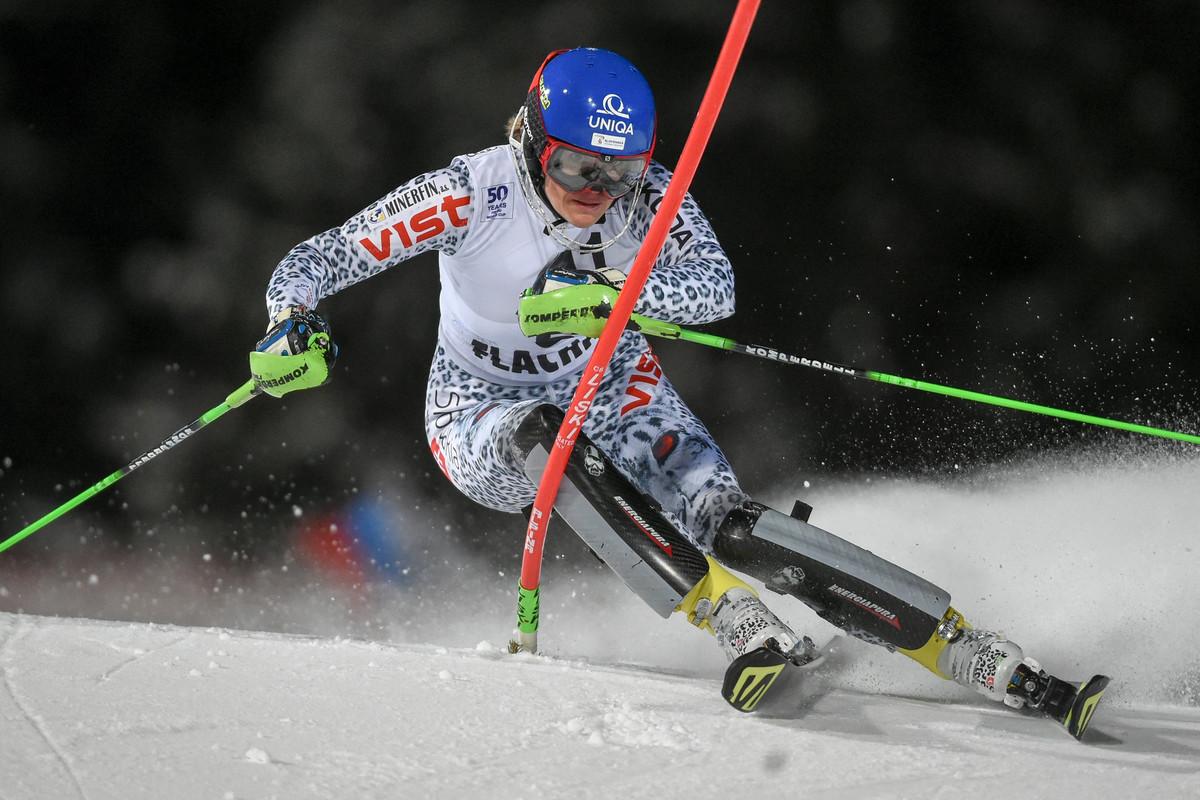 FIS Alpine Ski World Cup women's night slalom| Snow Space ...