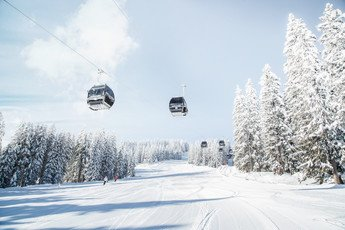 Gondola lift above Flachau slope at Snow Space Salzburg ski resort | © Bergbahnen Flachau GmbH